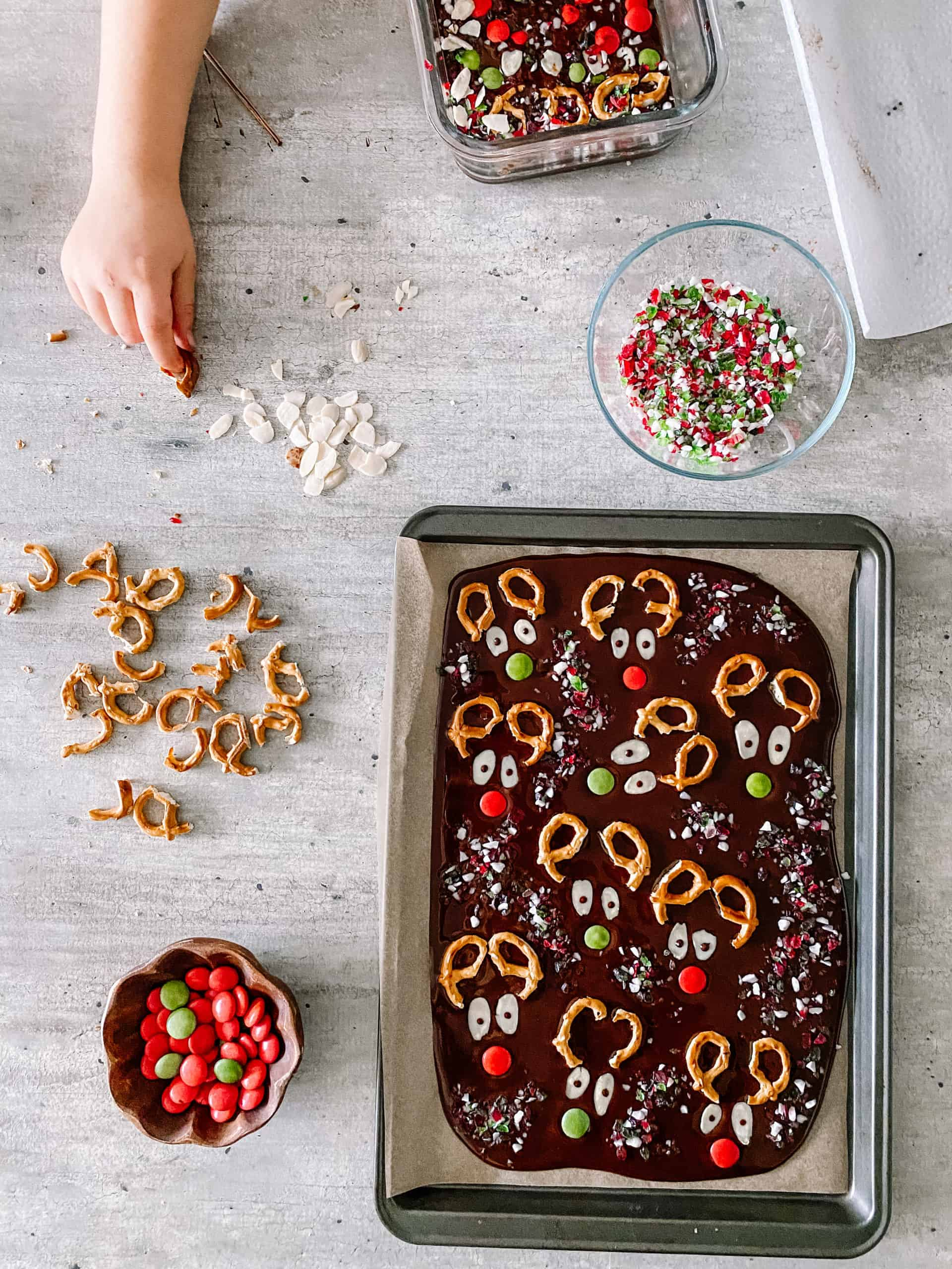 Reindeer Chocolate Bark Assembly