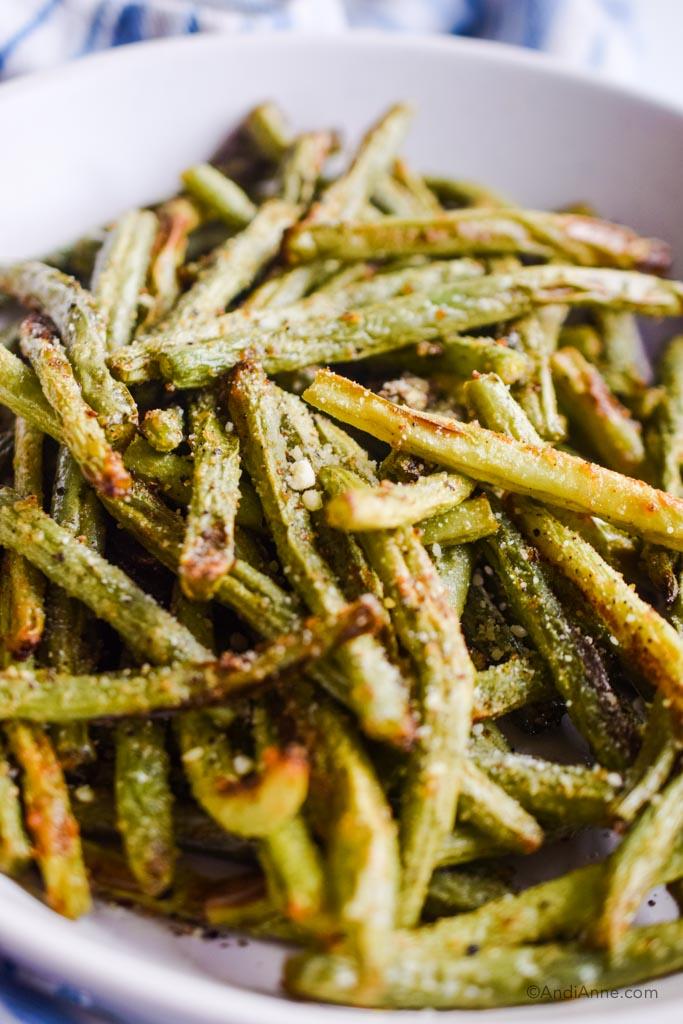 air fryer green beans close up detail